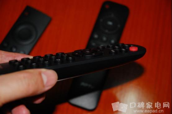 而小米盒子3c虽然也有4个接口,但由于它不支持网线接口,所以它也带了